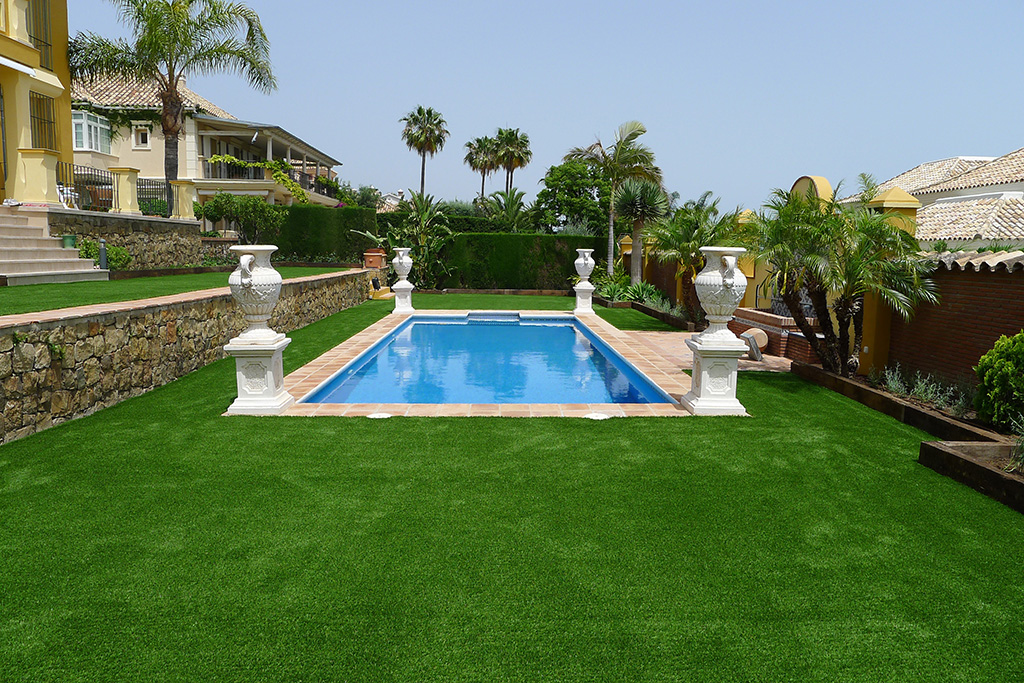 Artificial lawn at Sierra Blanca Marbella