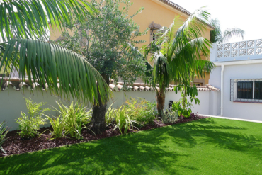 Artificial lawn needs shadows
