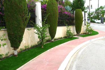 Cesped artificial en zonas verdes