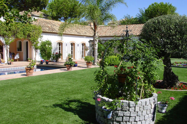 The first astro turf garden at Marbella was build for Mr. Anders at his house in Paraiso Alto.