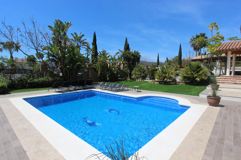 La piscina limpia de M.G.